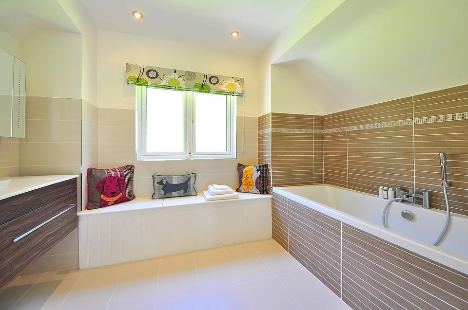 Ristrutturare il bagno: ecco alcune idee e importanti consigli